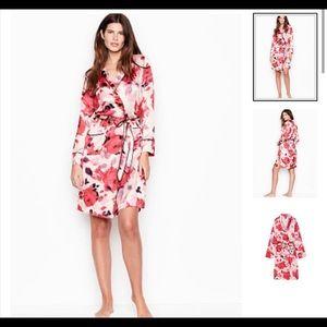 NWOT Victoria Secret Kimono